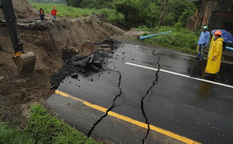Lluvias dejan a 27 salvadoreños muertos y 11.179 en riesgo frente al COVID-19