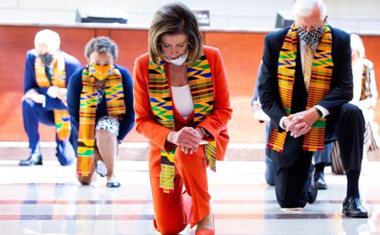 Demócratas se arrodillan durante casi nueve minutos en el Congreso en honor a Floyd