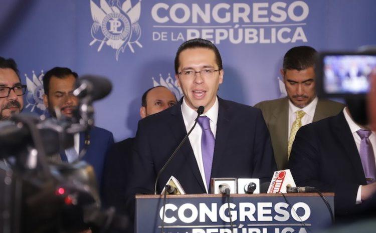 Cámara de Amparos y Antejuicios realiza enmienda a resolución que beneficia a Felipe Alejos
