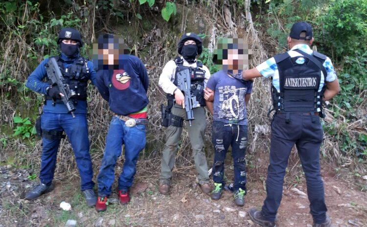 Autoridades liberan a persona secuestrada y capturan a dos personas