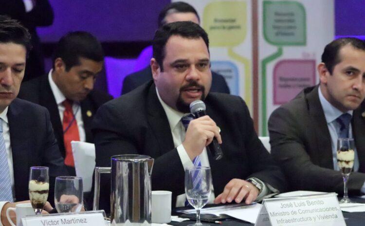 Exministro de Comunicaciones José Luis Benito prófugo de la justicia, MP lo vincula a los Q122 millones decomisados por FECI