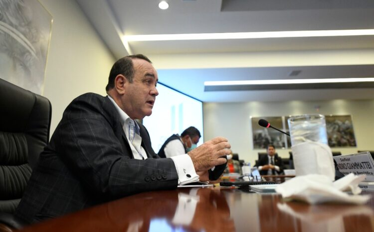 Giammattei declara estado de prevención por aumento de casos de COVID-19