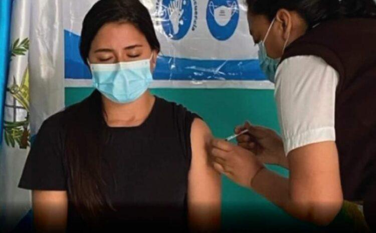 Así justifica el alcalde de Antigua la vacunación de su nuera