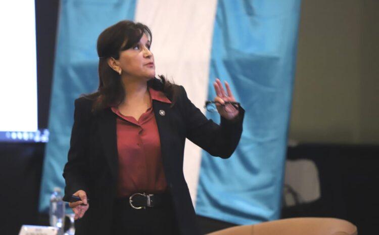 Alianza por las Reformas: No existe impedimento legal para juramentar a Gloria Porras